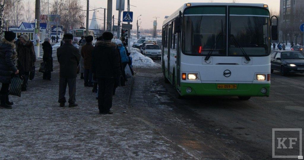 Транспортники Нижнекамска из-за разбитых дорог меняют маршруты автобусов