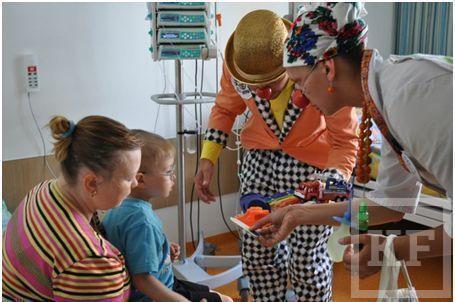 «МегаФон» и больничные клоуны лечат детей улыбкой и смехом