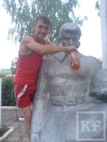 Студенты из Чистополя осквернили мемориал павшим в Великой Отечественной войне