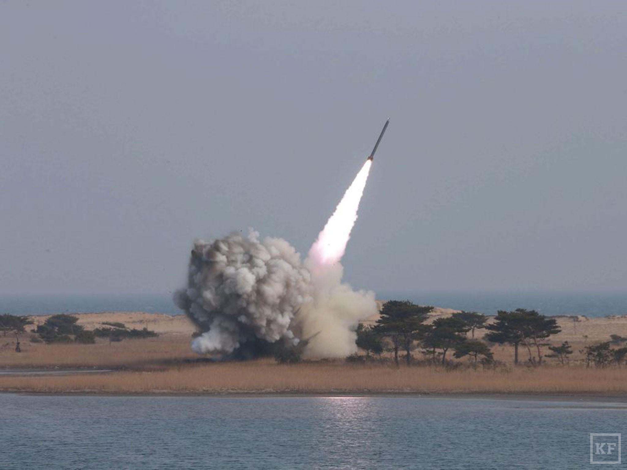 web-north-korea-missile-epa
