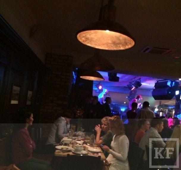 Президент РТ Рустам Минниханов, глава Минкульта РФ Владимир Мединский и премьер-министр РТ Ильдар Халиков посетили казанский Maximilian's