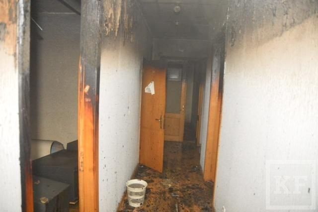 В Киеве сожгли здание ЦК компартии Украины