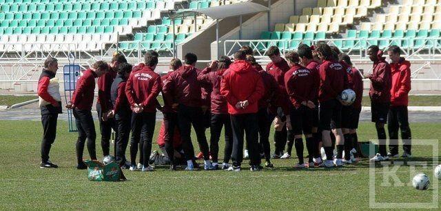 Нападающий «Рубина» Руслан Мухаметшин: «Кому-то нравится новый тренер, кому-то – нет, и это нормально»