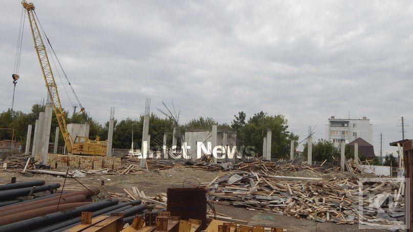 В Альметьевске рухнул строящийся торговый центр