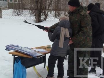 В Зеленодольске школьники соревновались в метании гранат и стрельбе