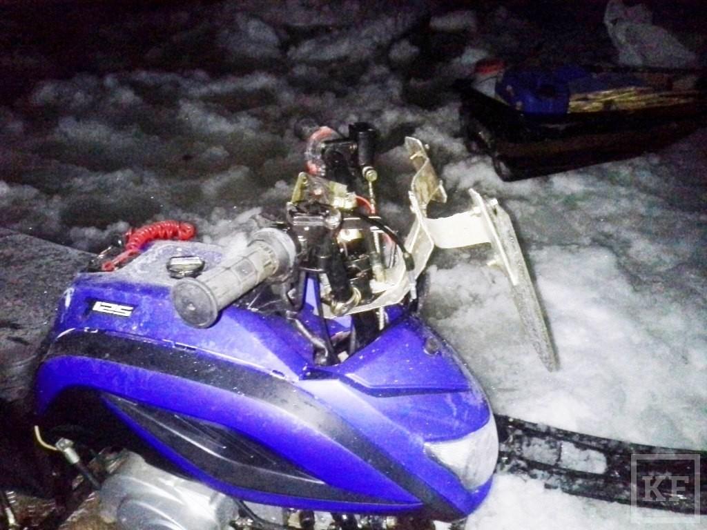 В Татарстане из-за нетрезвого водителя столкнулись два снегохода