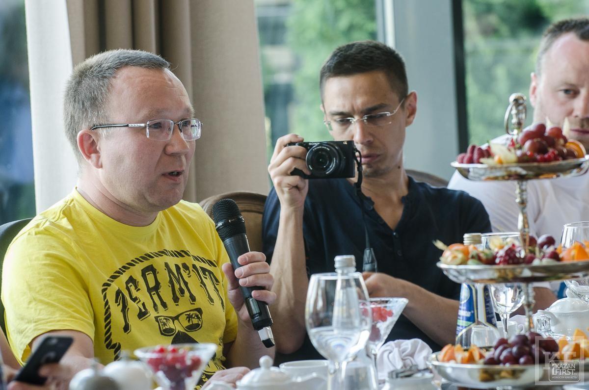 Рустам Минниханов встретился с участниками НеФорума блогеров