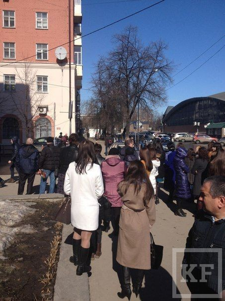 В Казани эвакуировали посетителей и персонал миграционной службы. Полиция искала взрывное устройство