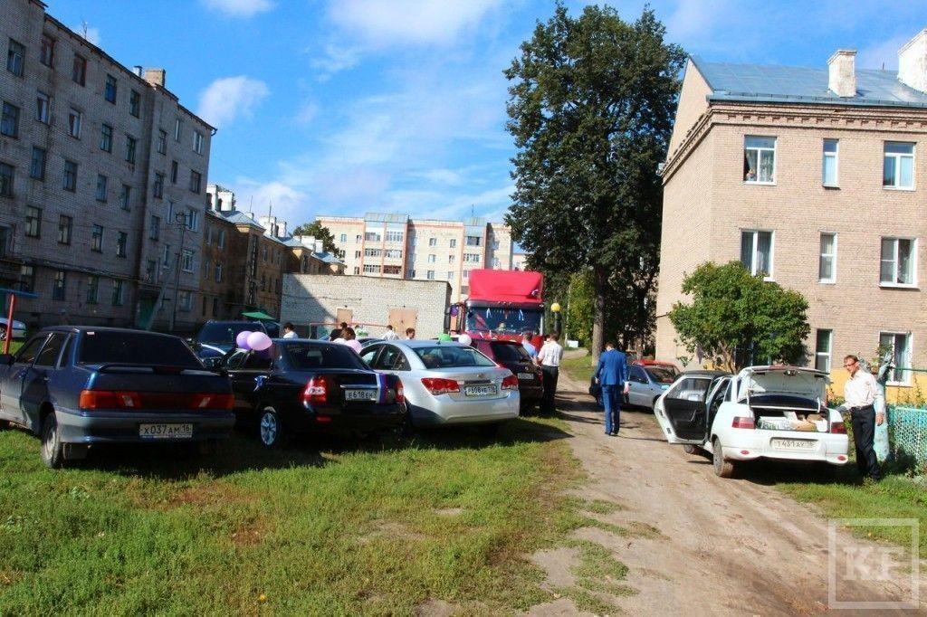 В Татарстане жених приехал за невестой на тягаче [фото]