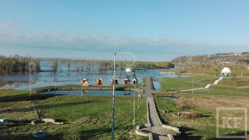Реки Елабуги вышли из берегов из-за таяния снегов на Урале