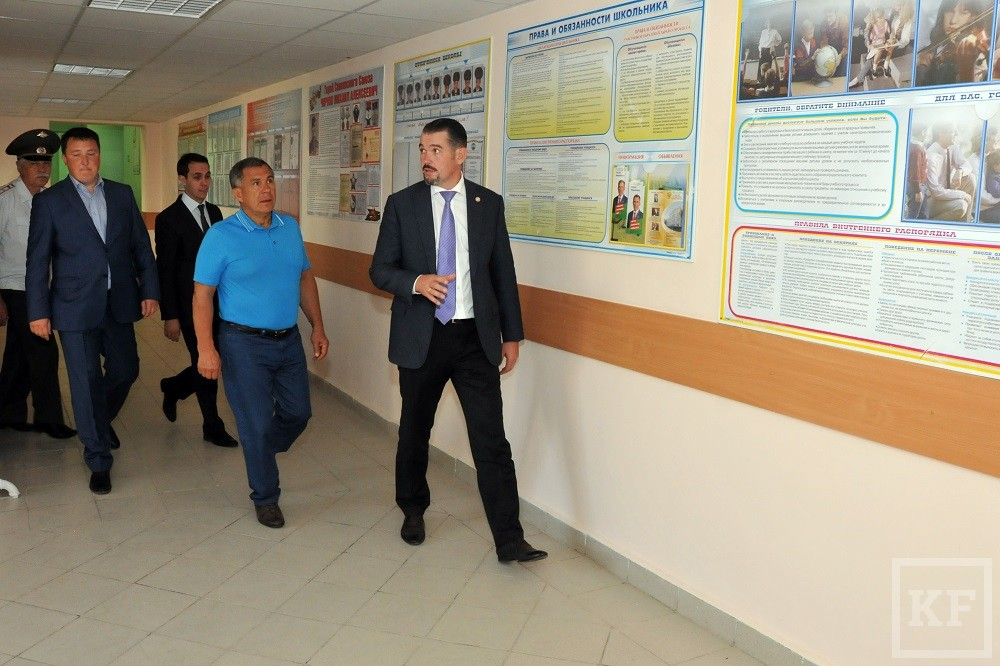 Рустам Минниханов посетил сегодня Камско-Устьинский и Кайбицкий районы Татарстана