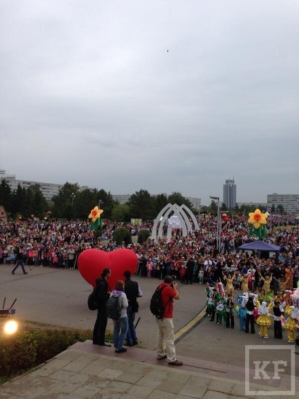 В Челнах началось празднование фестиваля цветов