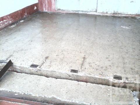 В жилом доме Нижнекамска домофон бьет током из-за попадающей в него талой воды – «Народный контроль»