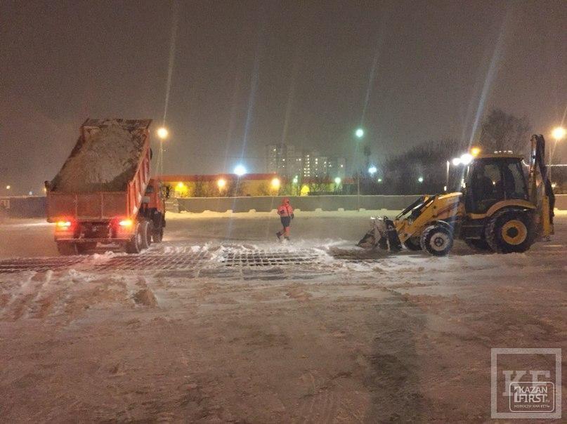 Власти Казани показали журналистам, как борются со снегопадами