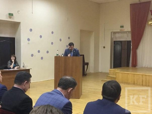 В Советском районе Казани вместо городских депутатов перед избирателями отчитались чиновники администрации