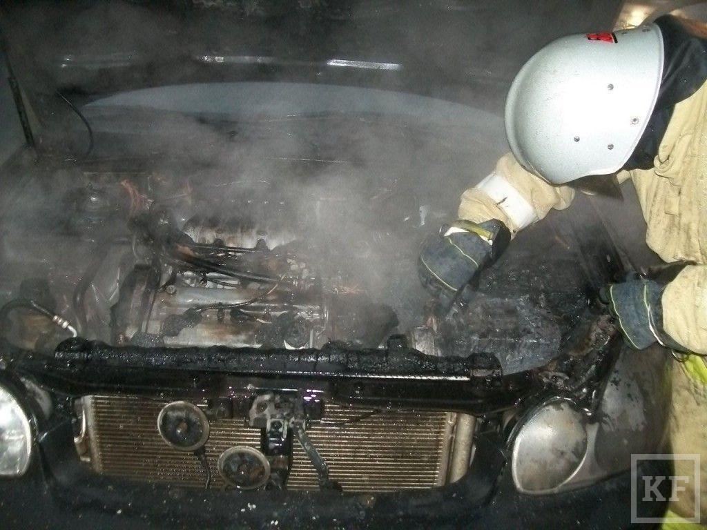 Сегодня в Челнах загорелся очередной автомобиль