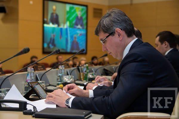 «Дорогу молодым»: с 1 сентября зарплаты директоров школ в Татарстане будут зависеть от количества молодых учителей