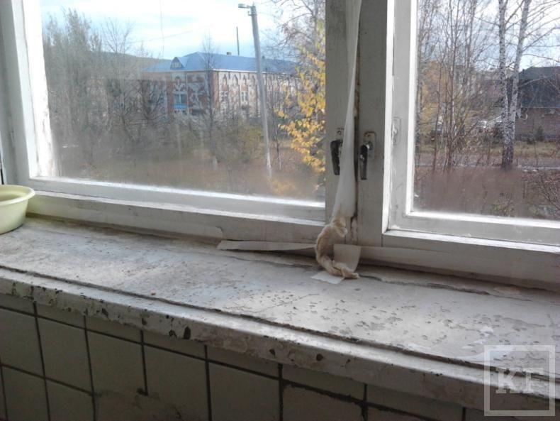 Прокурор Кукморского района потребовал проверить врачей ЦРБ на халатность, взятничество  и превышение полномочий