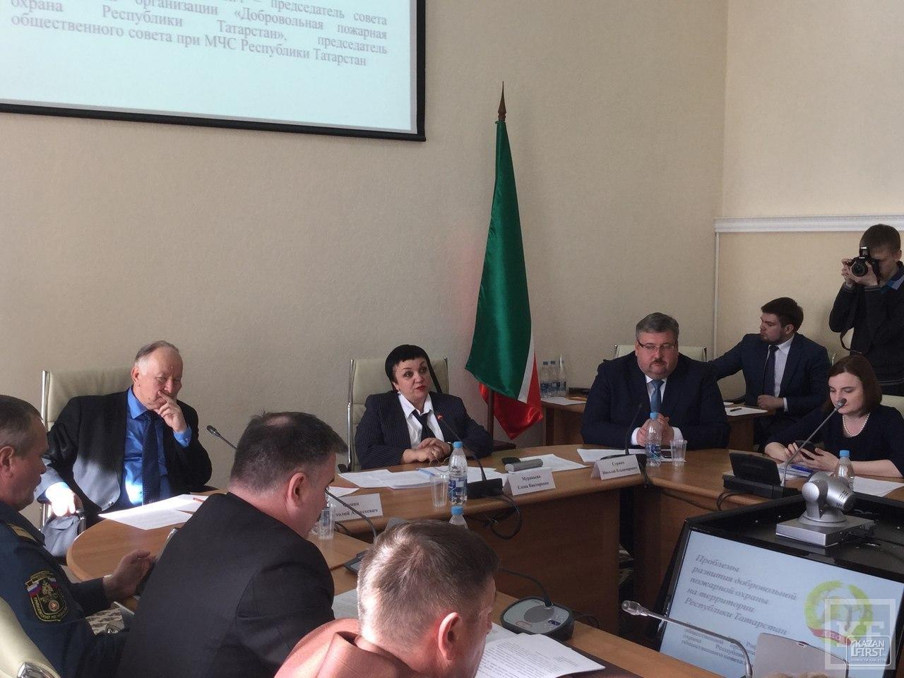 Более 18 000 пожарных-добровольцев в Татарстане социально не защищены. МЧС полагается на их помощь в районах