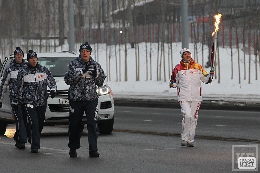 Сегодня завершился первый день эстафеты Олимпийского факела «Сочи 2014» в Татарстане