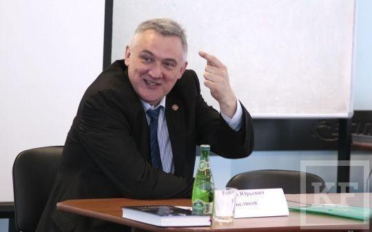 50 будущих государственных служащих Крыма учатся в негосударственном вузе Татарстана