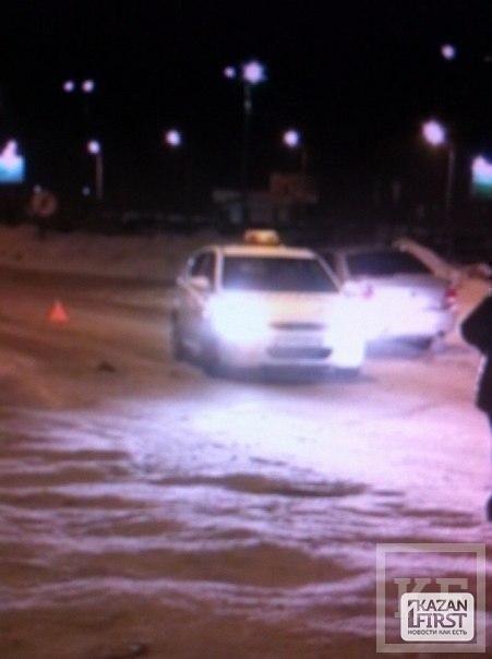 В Казани на улице Гаврилова пьяный водитель устроил аварию
