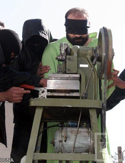 Презентована машинка для отрубания рук виновным в воровстве [фото]