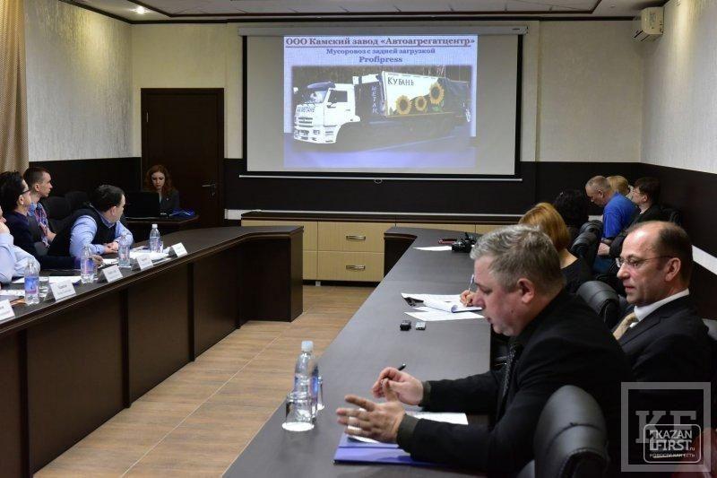 Наиль Магдеев заинтересовался новыми проектами по улучшению придомовых территорий и призвал частных перевозчиков к диалогу