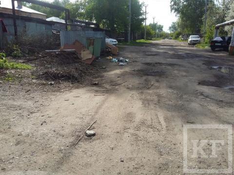 На одной из улиц Бугульмы не убирают мусор три месяца — «Народный контроль»