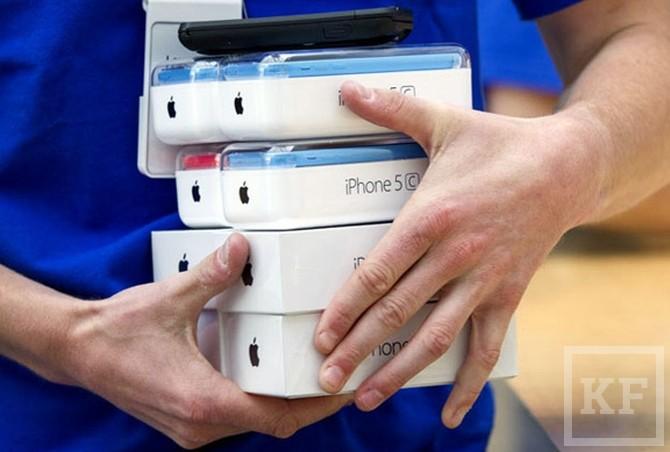 Apple-russia-iPhone-5s-iPhone-5c-1-1