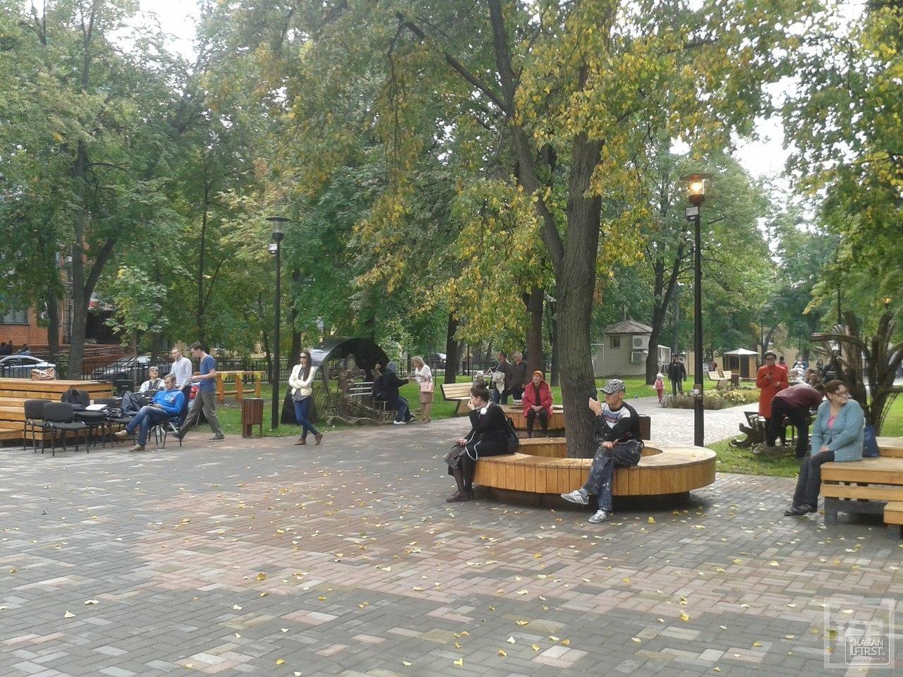 Фестиваль «Дни парков и скверов» в Казани: инсталляции с открытия ЧМ-2015, «ожившие» статуи и живая музыка