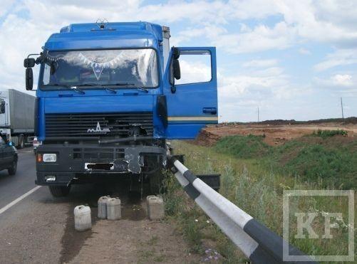 На трассе М7 произошла авария с участием большегруза [фото]