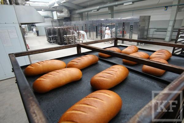 Производители социального хлеба заявляют, что сегодня он стоит слишком дешево