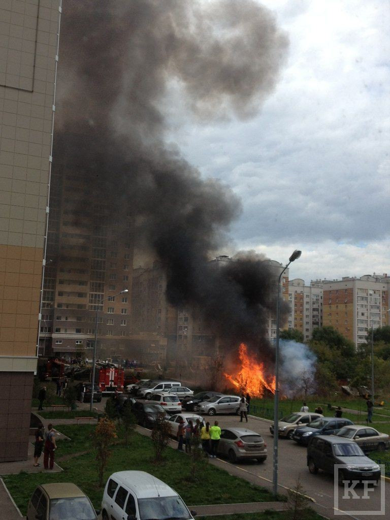 На пересечении Чистопольской и Бондаренко произошел пожар