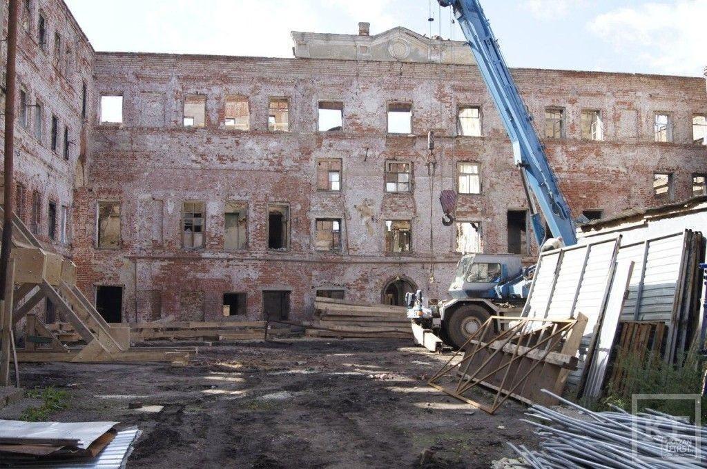 Воркшоп в историческом центре: молодые архитекторы ищут способы восстановить многострадальное здание гостиницы Дворянского собрания