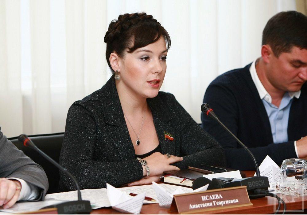 «Нынешние молодые депутаты пока блеклые: реальных инициатив нет»
