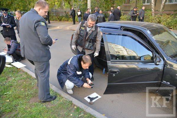 Полицейские задержали налетчиков, отобравших несколько миллионов рублей у жителя Казани