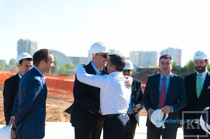 Шайхразиеву представили стройплощадку жилого комплекса Sunrise city в Набережных Челнах