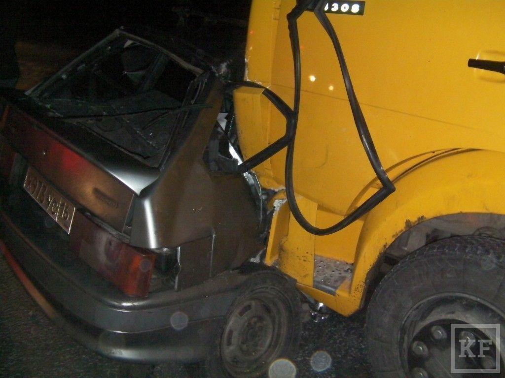 В нижнекамском районе водитель погиб в столкновении с КАМАЗом