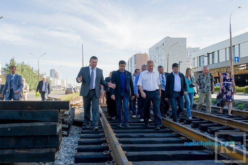 Шайхразиев прошел 6,2 км по строящейся трамвайной дороге