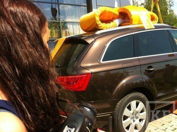 В Челнах мужчина подарил жене Audi, спустив ее