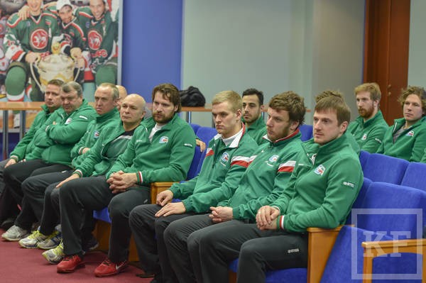 Рустам Минниханов встретился с игроками «Ак барса» перед матчами плей-офф