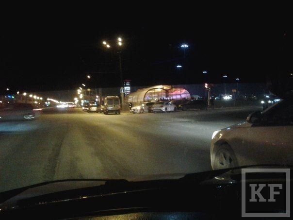 Страшное ДТП на перекрестке около Парк Хауса в Казани
