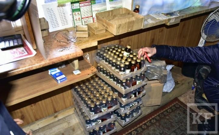В Челнах приступили к сносу киосков, в которых торговали «фанфуриками»