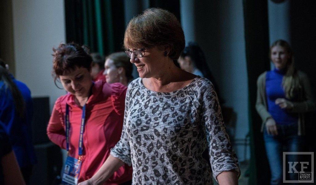 Елена Гришкова: «Культура воспитывается со сцены. И если фестиваль работающей молодежи масштабировать на всю страну – это выльется в повышение уровня культуры»