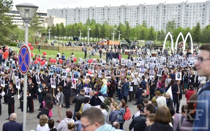Магдеев возглавил в Челнах «Бессмертный полк» из 53 000 человек