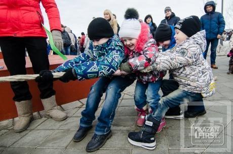 Масленица в Казани: как природа подыграла фаерщикам