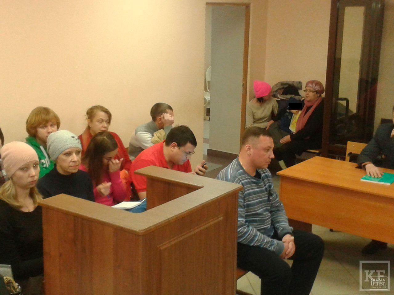 Потерпевшие по резонансному ДТП под Кремлем разделились на два лагеря: родственники выжившей девушки требуют условного наказания экс-сотруднику ФСО