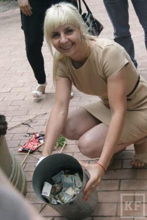 За три месяца жители Елабуги пожертвовали в памятник-копилку для бездомных животных 30 000 рублей