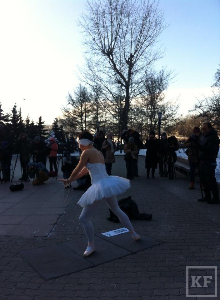 Балерина выразила протест с помощью танца